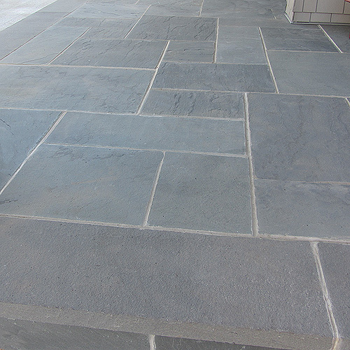 Bluestone blue select natural cleft orijin stone for Bluestone flooring